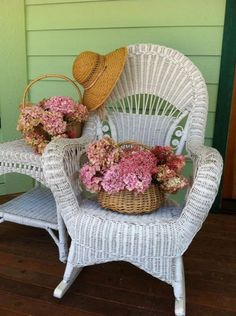 Small Accent Chairs For Living Room Key: 8958496044 Old Chairs, Outdoor Chairs, High Chairs, Dining Chairs, Wicker Porch Furniture, Hortensia Hydrangea, Hydrangeas, Beautiful Home Gardens, Toddler Table And Chairs