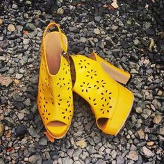 Customized wedding shoes for the bride Ms. Miriam San Miguel. #slingback #yellow #patent #perforated #flower #pattern #design #platform #chunkyheels #MadeInMarikina #MakeItMarikina For inquiries, email roweliza.shoesbags@gmail.com LIKE and SHARE our Facebook Page Fashion Purveyor https://www.facebook.com/FashionPurveyor Follow us on Instagram @roweliza