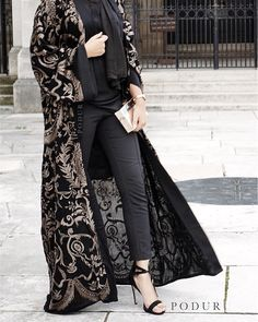 A b a y a 417 www podur co uk Abaya Fashion, Muslim Fashion, Kimono Fashion, Modest Fashion, Fashion Dresses, Abaya Mode, Mode Hijab, Mode Kimono, Iranian Women Fashion