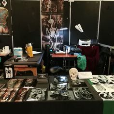 All ready for the second day @tattoo_expo_maastricht come over if you are in the city! www.tattoo1825 www.kynst.com www.digztattoo.com  #tattoo1825 #tattooexpomaastricht2018 #darkartist #tattoo #tattoos #blackandgreyrealism #blackandgreytattoo #bngtattoo