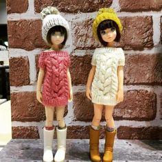 인형옷 : 네이버 블로그 Knitted Dolls, Crochet Dolls, Crochet Clothes, Crochet Hats, Diy Doll, Historical Clothing, Diy Crochet, Blythe Dolls, Clothing Patterns