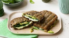 Green godess-toast med Norvegia® «Digg på 1-2-3» Salmon Burgers, Avocado Toast, Pesto, Sandwiches, Recipies, Lunch, Ethnic Recipes, Green, Food