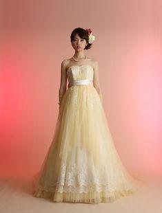 ウエディングドレス、高品質な結婚式ドレスならW by Watabe Wedding / イエロー・エンパイア・カラードレス