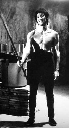 Bruce Lee Art, Bruce Lee Martial Arts, Best Martial Arts, Bruce Lee Photos, Star Children, Black History Month, My Hero, Robot, Kicks