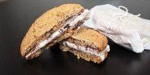 Lækre is-sandwich, der forener cookies og is.