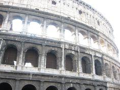 Rome, Colosseum. Ik vind het echt een heel mooi gebouw, het is heel groot en het is gaaf om je voor te stellen hoe het er vroeger uitzag