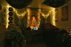 String Lights for Dorm Rooms | Dorm room