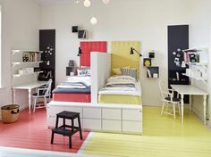 A single room for three children – PLANET DECO homes Ideas for Designing a Shared Room for Boy & Ideas For Designing An Art Deco BathroomClassic World Map Wallpaper Girls Bedroom, Bedroom Decor, Bedroom Ideas, Single Bedroom, Sibling Bedroom, Sister Bedroom, Boys Bedroom Furniture, Bedroom Themes, Modern Furniture