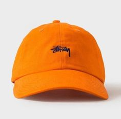 Stussy Orange Strapback Need a statement for your look today? Streetwear Hats, Streetwear Online, Streetwear Fashion, Urban Fashion, Mens Fashion, Men With Street Style, Strapback Hats, Hat Shop, Baseball Caps
