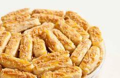5 Resep dan Cara Membuat Kue Kastengel Renyah - Tokopedia Blog Onion Rings, Apple Pie, Macaroni And Cheese, Bakery, Oven, Ethnic Recipes, Desserts, Blog, Motion Design