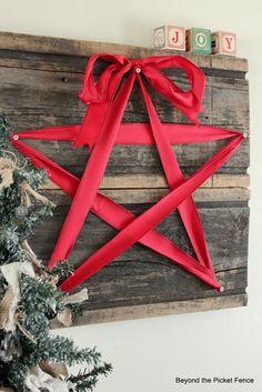 DIY Christmas Star • Red Ribbon • Nails • Wood Sign