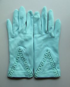ღღ Sweet vintage aqua gloves by IWillFlydestash on Etsy