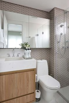 Toilets with pellets - Home Fashion Trend Tiny Bathrooms, Ensuite Bathrooms, White Bathroom Tiles, Simple Bathroom, Bad Inspiration, Bathroom Inspiration, Style At Home, Bathroom Mirror Makeover, Bathroom Interior