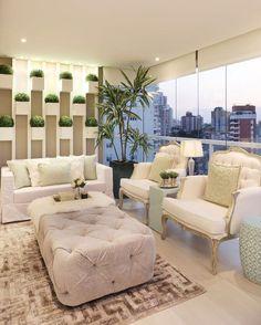 Varanda linda com jardim vertical para inspirar!  @_decor4home @homeluxoimoveis Projeto by Arquiteta Monise Rosa