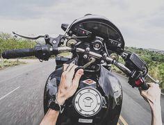 🏍💨 Vw Gol, Yamaha Bikes, Motosport, Hornet, Moto Bike, Super Bikes, Bike Life, Motogp, Stunts