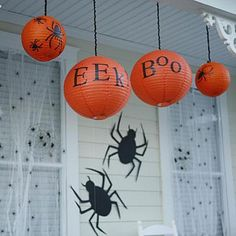 Ghostly glow Dangle paper lanterns around your porch. Cut letters and spiders from black tissue paper and glue them to paper lanterns. Hang the lanterns with black yarn, and illuminate with battery-operated tea lights Spooky Halloween, Halloween Countdown, Fete Halloween, Halloween Birthday, Holidays Halloween, Halloween Crafts, Holiday Crafts, Holiday Fun, Happy Halloween