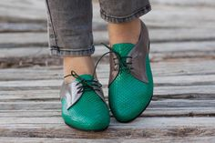 Green Leather Shoes, Green Oxford Shoes, Close Shoes, Flat Shoes, Green and Grey Oxford Shoes by BangiShop on Etsy https://www.etsy.com/listing/198729579/green-leather-shoes-green-oxford-shoes