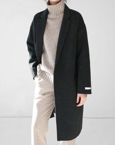 Balmain x Vogue Fashion Mode, Minimal Fashion, Look Fashion, New Fashion, Trendy Fashion, Korean Fashion, Fashion Black, Lifestyle Fashion, Fashion 2018