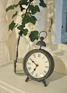 Green & clocks = perfection.