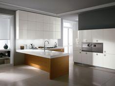 Cozinha lacada de carvalho com maçanetas SILVERBOX HIGH CLASSIC - ERNESTOMEDA