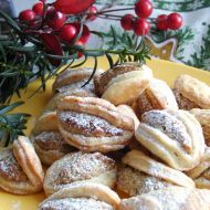 Ořechové škebličky - My site Czech Recipes, Russian Recipes, Christmas Baking, Christmas Cookies, Christmas Recipes, Sweet Desserts, Sweet Recipes, Food Crafts, Mexican Food Recipes