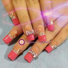 #nails #uñasbellas #uñasacrilicas #acrilycnails #uñas #diseño #kimerasnails #glitter #nude #fashionnails #fashion #sculpturenails #esculturales #sculpture #pink #pinkis #rosa #fresas #lineas #rosa #love #silver