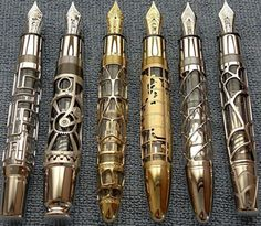 Steampunk Gadgets - Steampunk gadgets are stunning twists to many functional items being produced today. Steampunk is a sub-genre of science fiction that is ins Moda Steampunk, Steampunk Kunst, Style Steampunk, Steampunk Fashion, Steampunk Design, Steampunk Cafe, Gothic Fashion, Emo Fashion, Steampunk Emporium