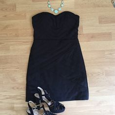 Little black dress Simple and sophisticated, this dress is comfortable and slimming. It can be worn strapless or with straps. Worn twice to banquet. Gianni Bini Dresses Strapless