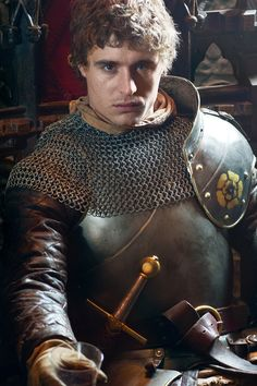Max Irons in The White Queen Jeremy Irons son. So glad that he doesn't look like his father, haha!