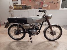 1967 Wards Riverside 450-SS, made by Italian maker Benelli, sold by Montgomery Wards