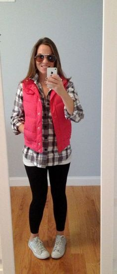 Cute and Comfy Fall Outfit with men's flannel shirt! i need a bubble vest!