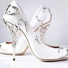 Fall in luv wif these shoes #ralphandrussoshoes #ralphandrussobride