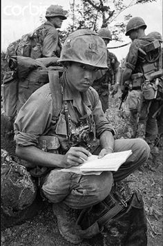Meeting soldiers before the action. Vietnam war