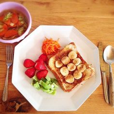 #シェアInstagram 日曜朝っぽく フレンチトースト。 玄米ブランのパンを豆乳に漬けて #ココナッツオイル で焼く…せめてもの減・糖質脂質(笑)。と、クミン風味野菜スープ。 #miu_meshi