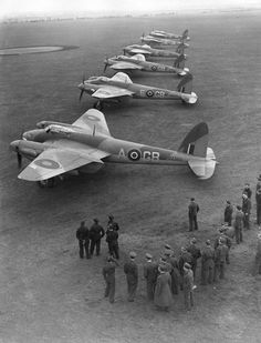 WWII World War 2 De Havilland DH98 Mosquito 3A 105 Sqn DH IV RAF Marham. One of the most versitile and amzing Fighter-Bomber Aircraft in history.