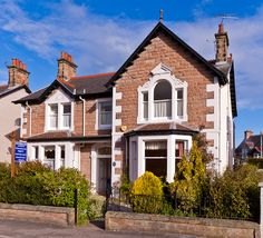 Inverglen Guest House is a fine Victorian villa in a quiet location yet just 5 minutes walk from the city centre