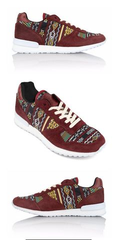 Meet the Morocco Jogger. These running shoes are inspired by the authentic Kilim rugs of Morocco, woven by the local Berbers. The warm and geometrical patterns are perfect for any fall wardrobe! Put on your Morocco Joggers and experience the history and colorful textures of the Moroccan culture!