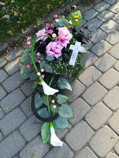 Funeral Flower Arrangements, Funeral Flowers, Floral Arrangements, Arte Floral, Ikebana, Vence, Plants, Flower Arrangements, Garden