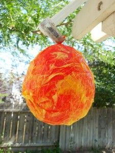 It's beach week and Letter S week. Our Paper Mache Sun is perfect for beach and letter fun! Sun Projects, Science Projects, Projects To Try, Sun Paper, Paper Art, Letter S Activities, Sun Crafts, Paper Mache Crafts, Letter Of The Week