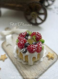 Mix Berries Sponge Cake in 1/12th miniature dollhouse Food