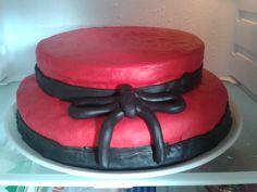 Torta di laurea per mia sorella #rosso #red #nero #black #laurea #fondente