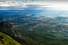 World's view, Nyanga, Eastern Highlands, Zimbabwe. Atop Troutbeck Massif - views of northern Zimbabwe. up a winding, steep road from Troutbeck. Beautiful Places To Visit, Great Places, Places To See, Places Ive Been, Countries To Visit, Train Journey, World View, African Countries, Short Trip