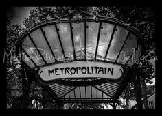 Metropolitain, photography, printed with frame  (home decor) di LaPellicolaCheNonCe su Etsy