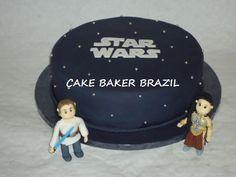 39+ Ideias de Bolo Star Wars > Sensacionais #BoloStarWars #Bolo #StarWars #FestaStarWars Bolo Star Wars, Star Wars Cake, Starwars, Star Wars Party, Cake Ideas, Diy Home, Decorating Cakes, Star Wars