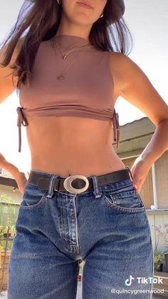 Diy Clothes And Shoes, How To Make Clothes, Sewing Clothes, Fashion Sewing, Diy Fashion, Ideias Fashion, Fashion Outfits, Diy Crop Top, Crop Tops