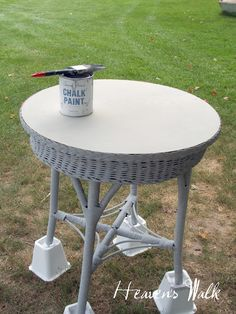 A Wicker Table Re Do With Chalk Paint (and Removing The Veneer Top)