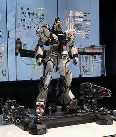 Check out the latest Gunpla Gundam News here. Gundam Mobile Suit, Gundam Wing, In Pursuit, Custom Gundam, Suit Of Armor, Metal Structure, Gundam Model, Three Dimensional, Tokyo