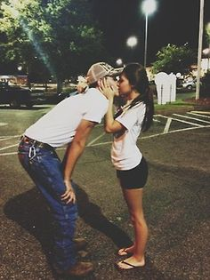 Since i'm short as well, where's my tall country. Country Couple Pictures, Cute Country Couples, Cute N Country, Cute Couple Pictures, Cute Couples Goals, Country Boys, Country Prom, Tall Boyfriend Short Girlfriend, Taller Girlfriend