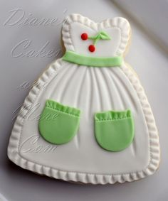Apron Cookies with Vintage Cherry Motif