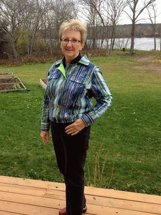 Learning With Donna: Sandra Betzina's Jean Jacket Vogue 7610.  Made in Annette Stretch Pique Print, 97% cotton 3% spandex, was drawn water like Monet colours of this cotton.
